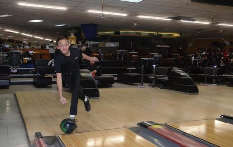 Bowling sensation Nicky Fabiano looks to lead Park Ridge/Emerson to a successful season